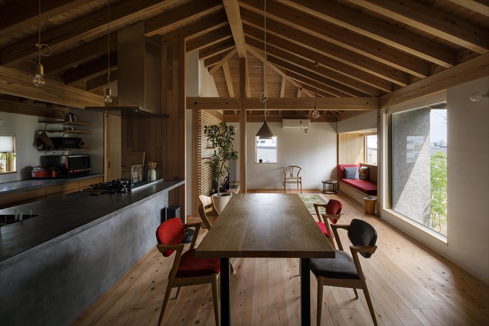 駒新町の家